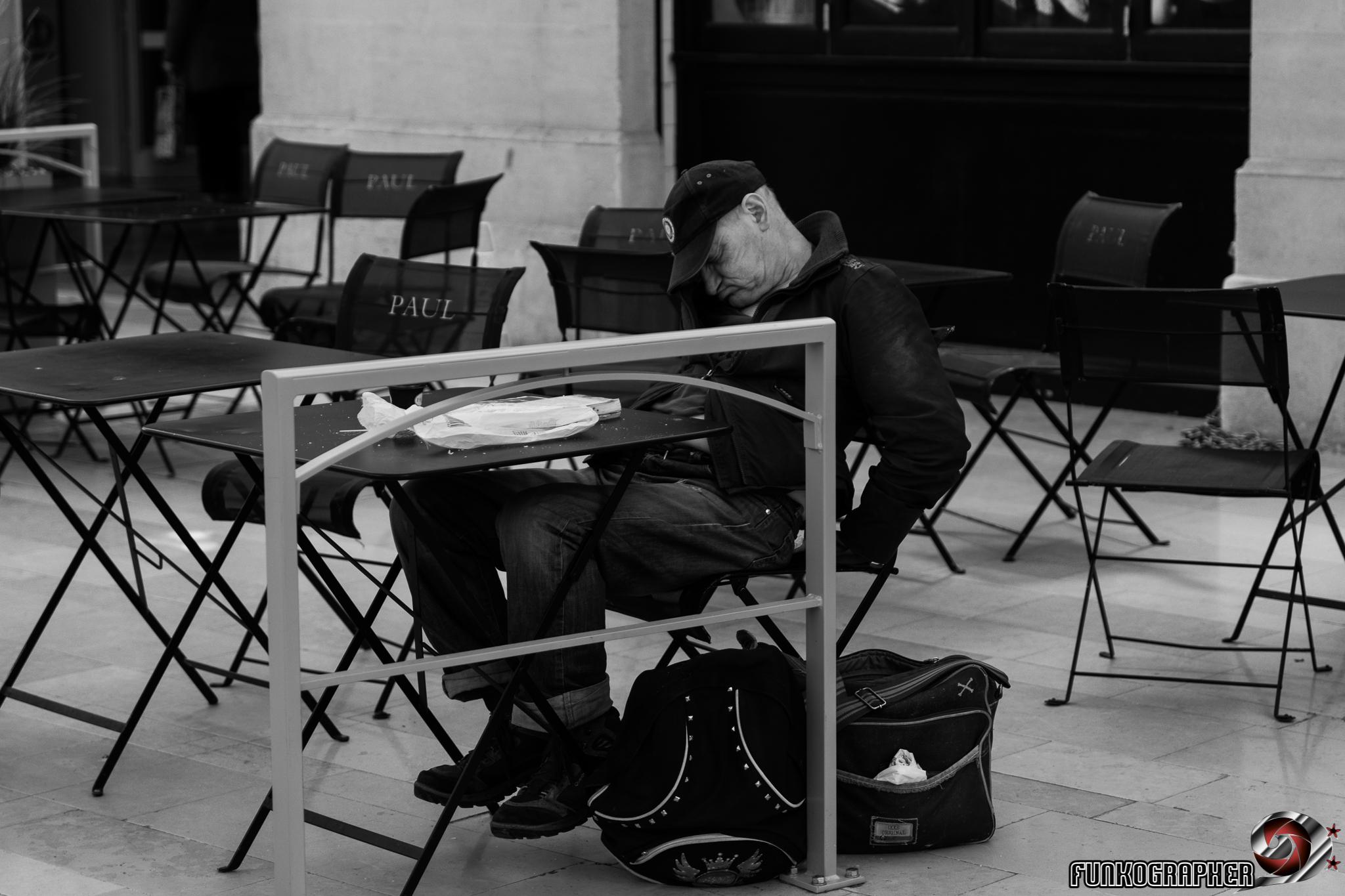 24-70mm, art, Auteur, black and whie, composition, creatif, D850, exposition, fineart, flash, france, french, Funkographer, gare, graphisme, https://funkographer.fr, illustration, light, lightroom, lorraine, n/b, nancy, Nikon, noir et blanc, oeuvre, Photo, photo de rue, photographe, photographer, photographie, photoshop, Portrait, shooting, sigma, SNCF, street, strobism, studio, Tirage